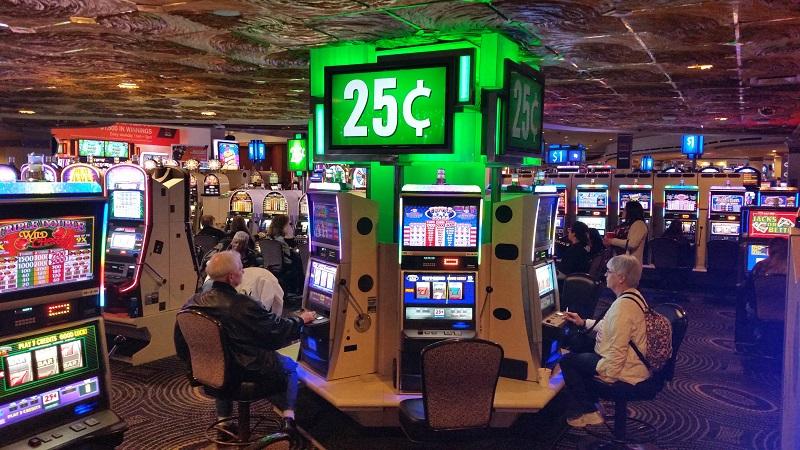 Plenty of 25 cent Slots