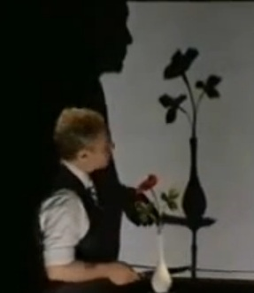 penn and teller teller does his shadow trick at rio hotel and casin