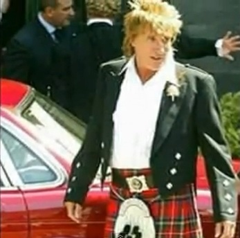 rod stewart performing at caesars palace colossuem