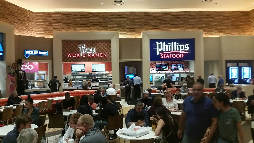 Seafood is not typically seen in Vegas food courts but it is here at Caesars