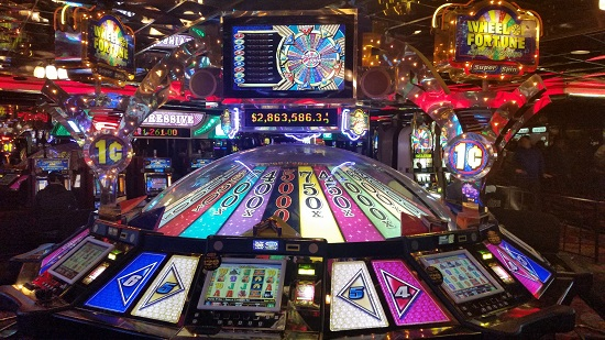 rent casino royale online wheel book