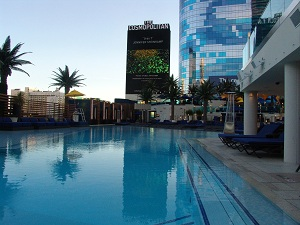 swimming pool overlooking the strip in las vegas