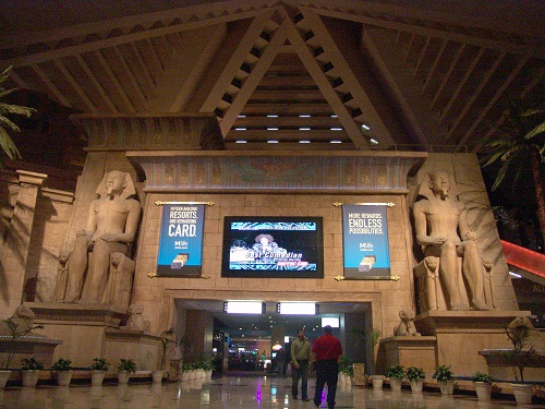 get 4.7 percent rewards on luxor hotels