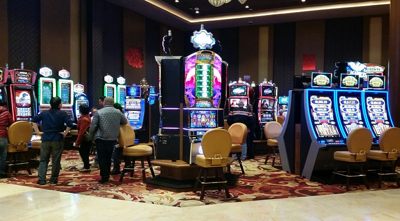 Lucky Dragon is spacious in every part of the Casino. You will never feel crowded.