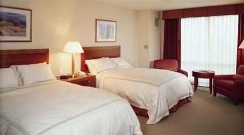 2 queens guest room