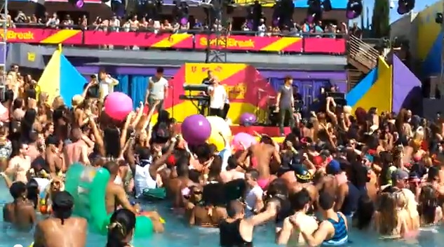 the wanted in crowded palms pool