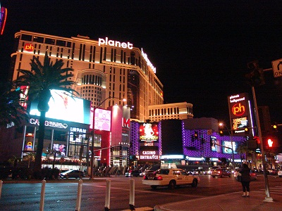 cheap vegas hotels planet hollywood night
