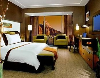 king room has mountain vie
