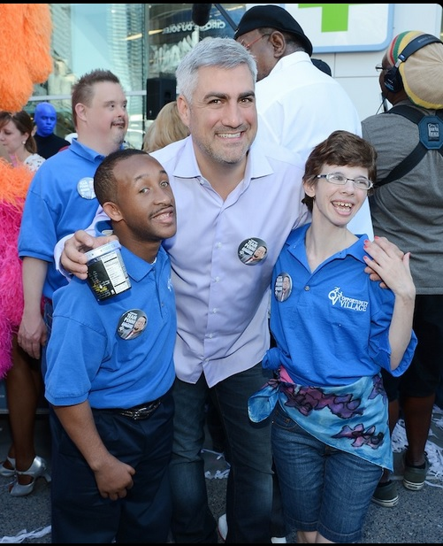 Taylor Hicks with members of Opportunity Village