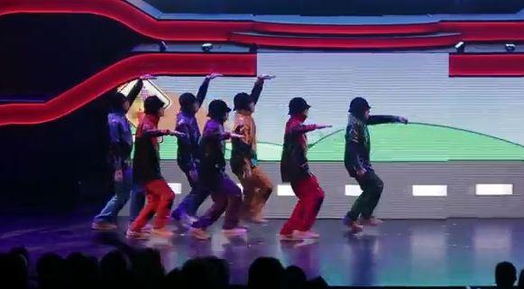 Jabbawockeez Las Vegas has lots of dancing