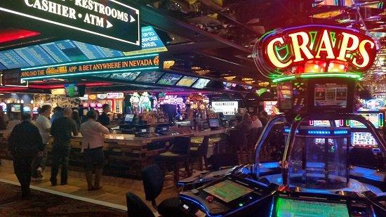 Casino Royale Shoot to Win Craps