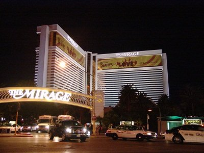 night picture of mirage taken from the venetian